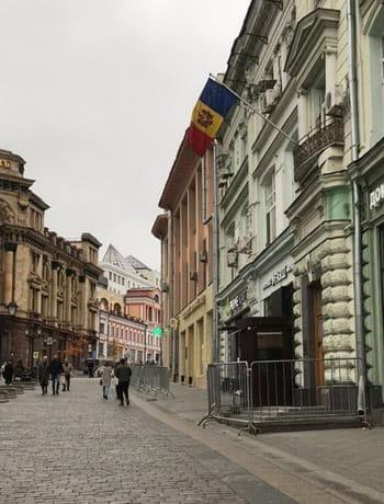 Фото избирательного участка в Москве