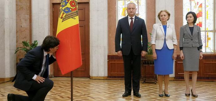 В Европу с Додоном: куда заведет Молдову коалиция с друзьями Путина
