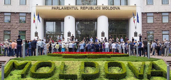 Отмолчаться не выйдет: какую позицию должна занять Украина в период кризиса в Молдове
