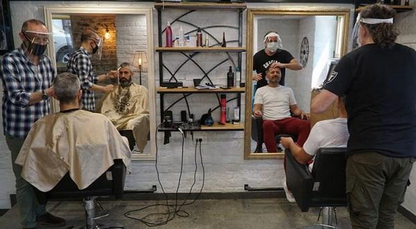 Фото перукарні в Белграді