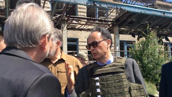 Посол Мінгареллі та комісар Ган у Широкіно